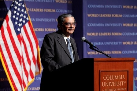 Jagdish Bhagwati, Professor of Economics & Law, Columbia University gives introduction of panelists and moderator.